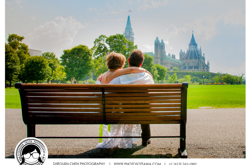 Bench Wedding Photo in Ottawa | Ottawa Wedding Photographer